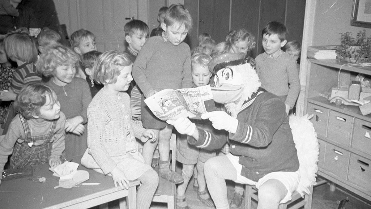 Anders And besøger børnehave, 1952