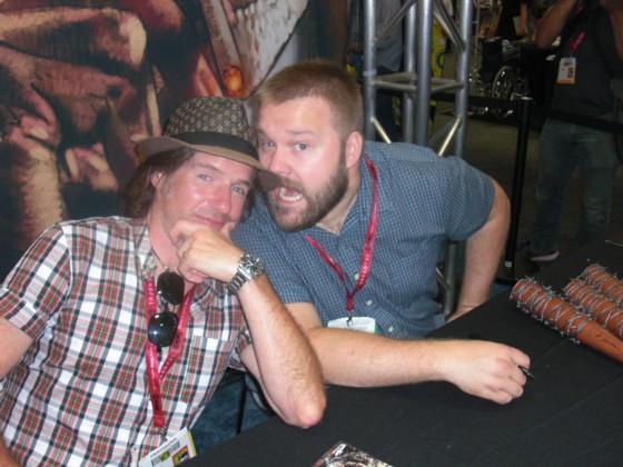 Walking Deads meget populære team, forfatter Robert Kirkman (th) og tegner Charlie Adlard.