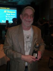 Walter Simonson til Eisner Awards med sin fuldt fortjente statue, som han fik i forbindelse med sin optagelse i deres Hall of Fame.