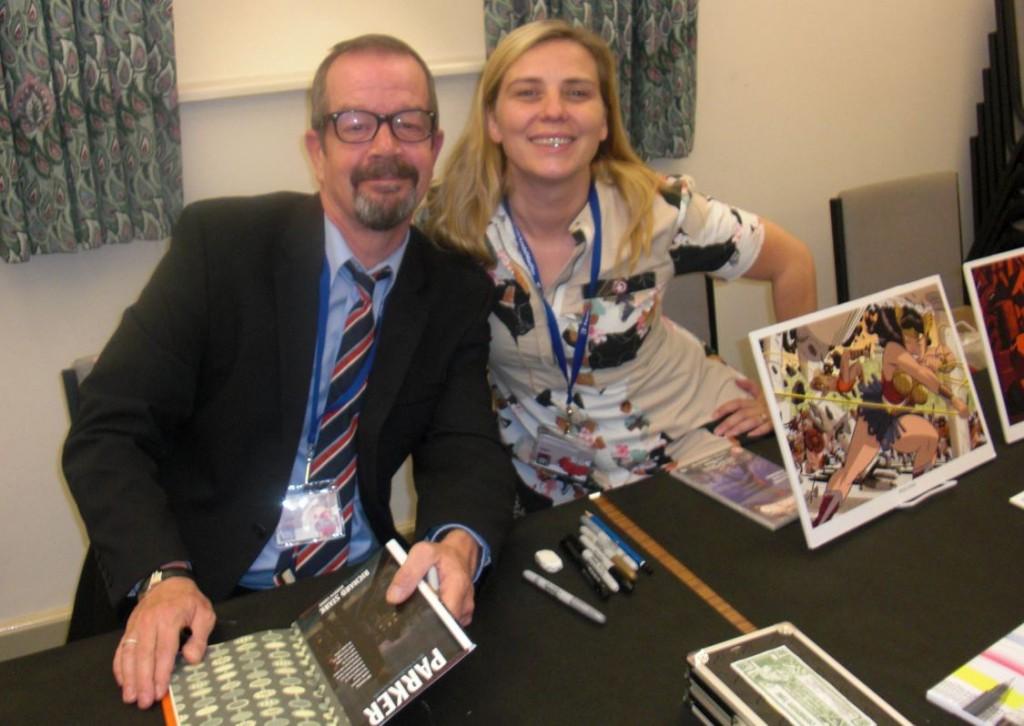 Darwyn Cooke og hans kone Marsha til hans signering.